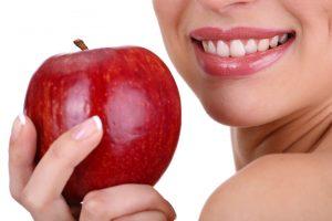 Beslenme Alışkanlıklarımız Ağız ve Diş Sağlığımızı Etkiliyor